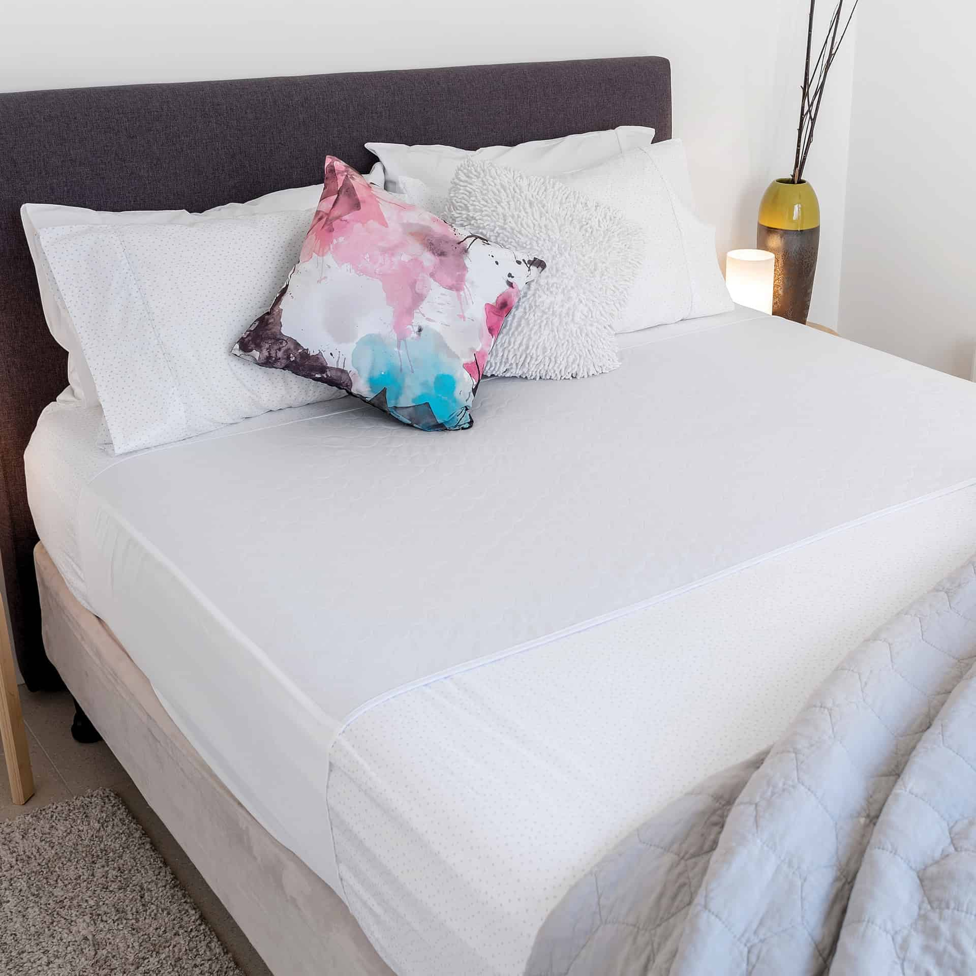 Bed Pad Extra Wide with Tuck-ins Conni White 153 x 85cm 2.5L